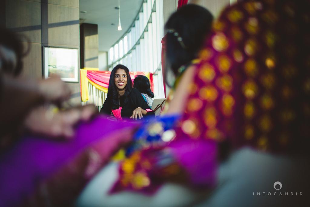 01-dubai-destination-wedding-into-candid-photography-mehendi-pr-14.jpg