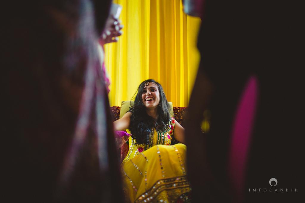 01-dubai-destination-wedding-into-candid-photography-mehendi-pr-19.jpg