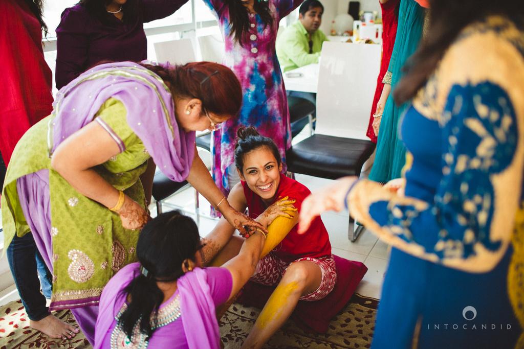 dubai-destination-wedding-into-candid-photography-haldi-pr-036.jpg