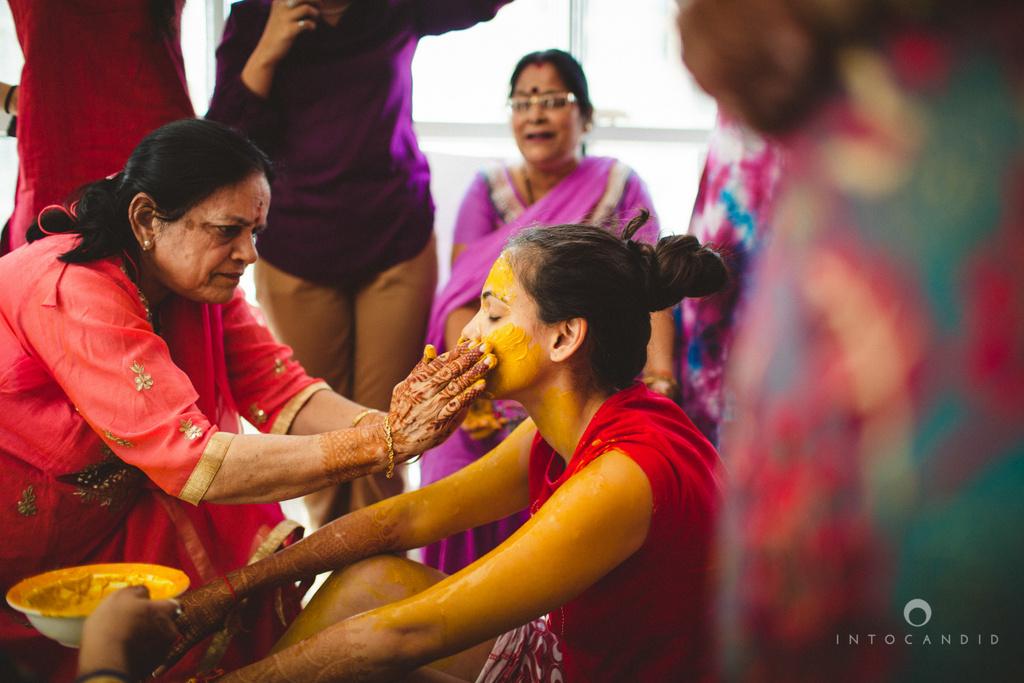 dubai-destination-wedding-into-candid-photography-haldi-pr-038.jpg
