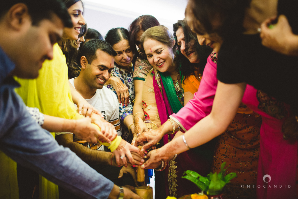 dubai-destination-wedding-into-candid-photography-haldi-pr-062.jpg