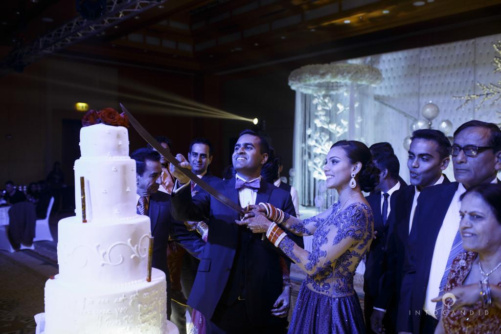 02-ritzcarltondifc-dubai-destination-wedding-reception-into-candid-photography-pr-186.jpg