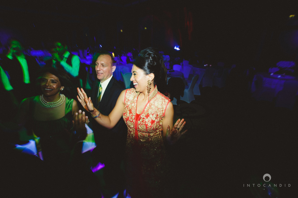 02-ritzcarltondifc-dubai-destination-wedding-reception-into-candid-photography-pr-201.jpg