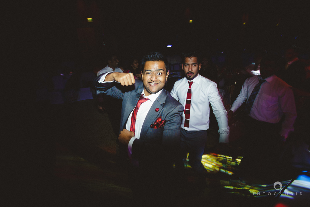 02-ritzcarltondifc-dubai-destination-wedding-reception-into-candid-photography-pr-209.jpg