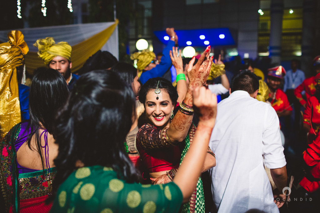 mumbai-pheras-intocandid-wedding-photography-ps-24.jpg