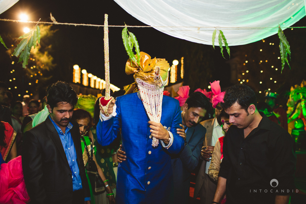 mumbai-pheras-intocandid-wedding-photography-ps-28.jpg