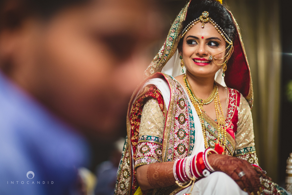 mumbai-pheras-intocandid-wedding-photography-ps-40.jpg