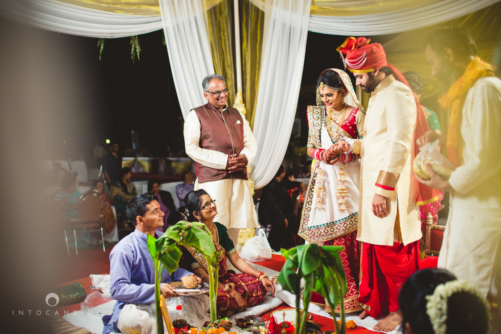 mumbai-pheras-intocandid-wedding-photography-ps-45.jpg