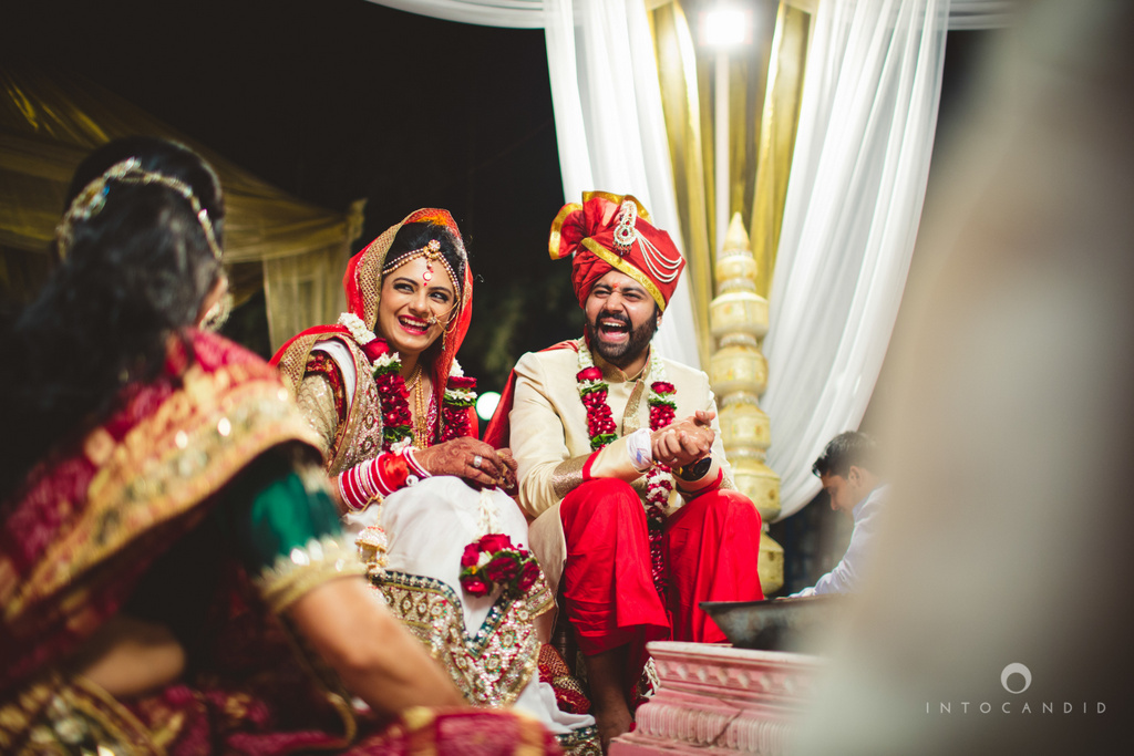 mumbai-pheras-intocandid-wedding-photography-ps-53.jpg