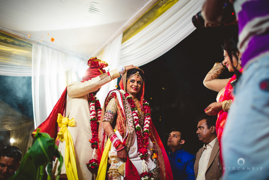 mumbai-pheras-intocandid-wedding-photography-ps-59.jpg