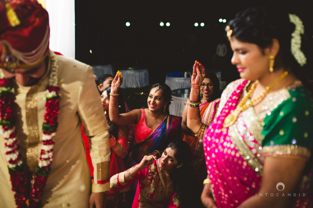 mumbai-pheras-intocandid-wedding-photography-ps-60.jpg