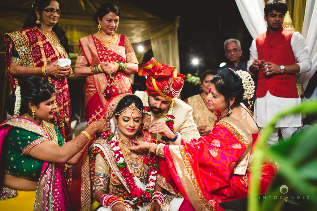 mumbai-pheras-intocandid-wedding-photography-ps-64.jpg