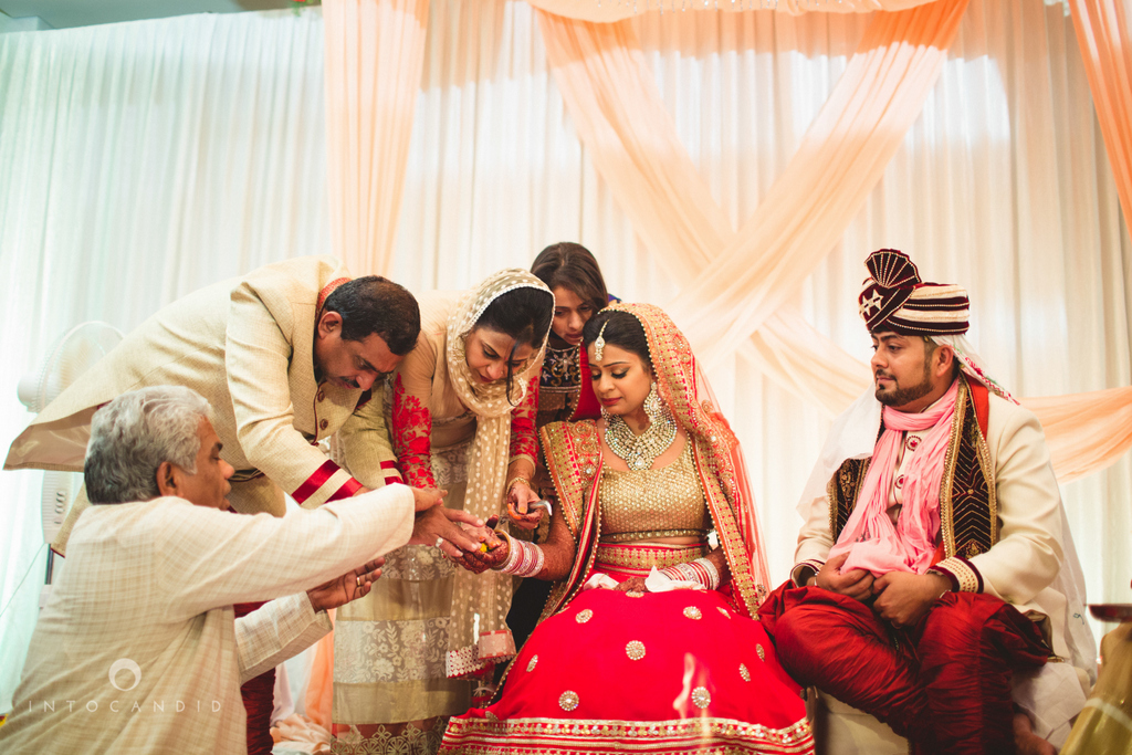 pune-hilton-wedding-photographer-intocandid-ka-39.jpg