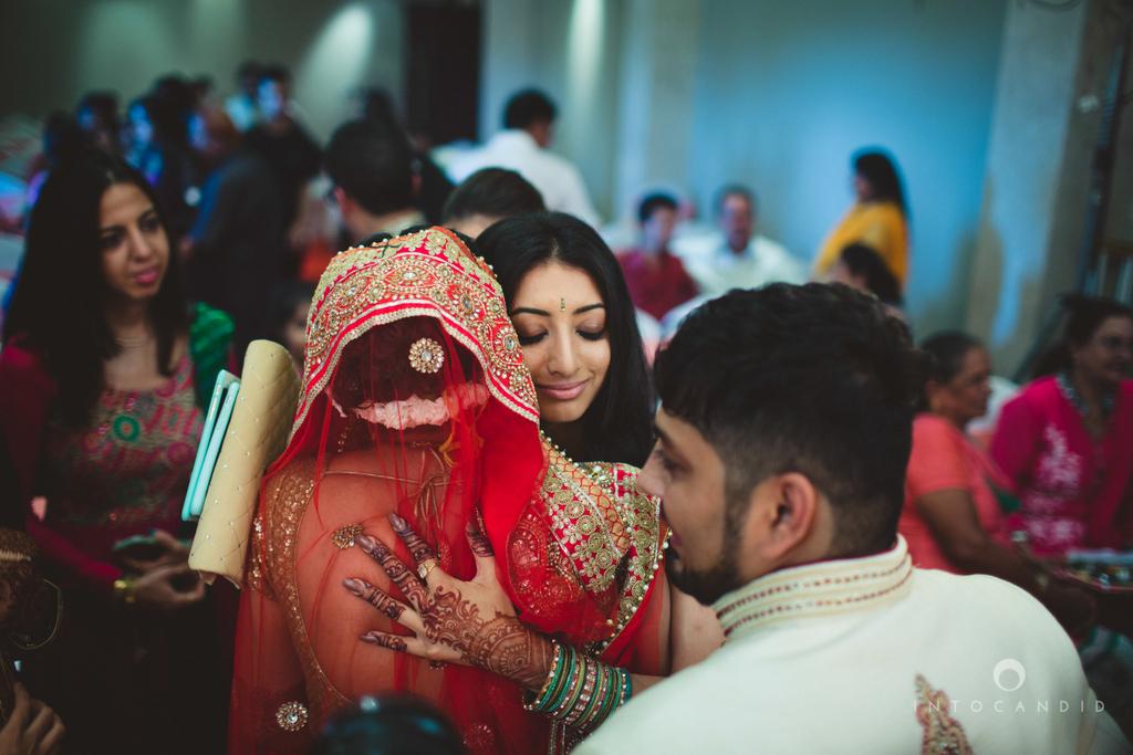 pune-hilton-wedding-photographer-intocandid-ka-56.jpg