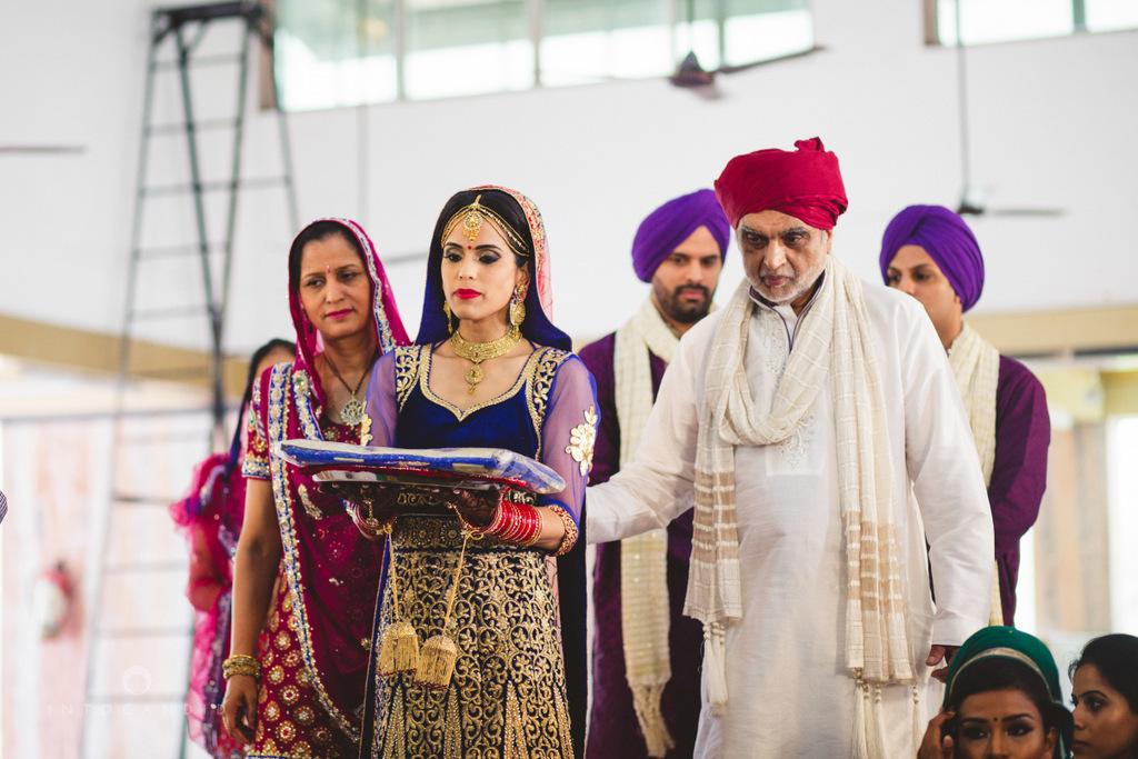 gurudwara-wedding-mumbai-photography-candid-jv-46.jpg
