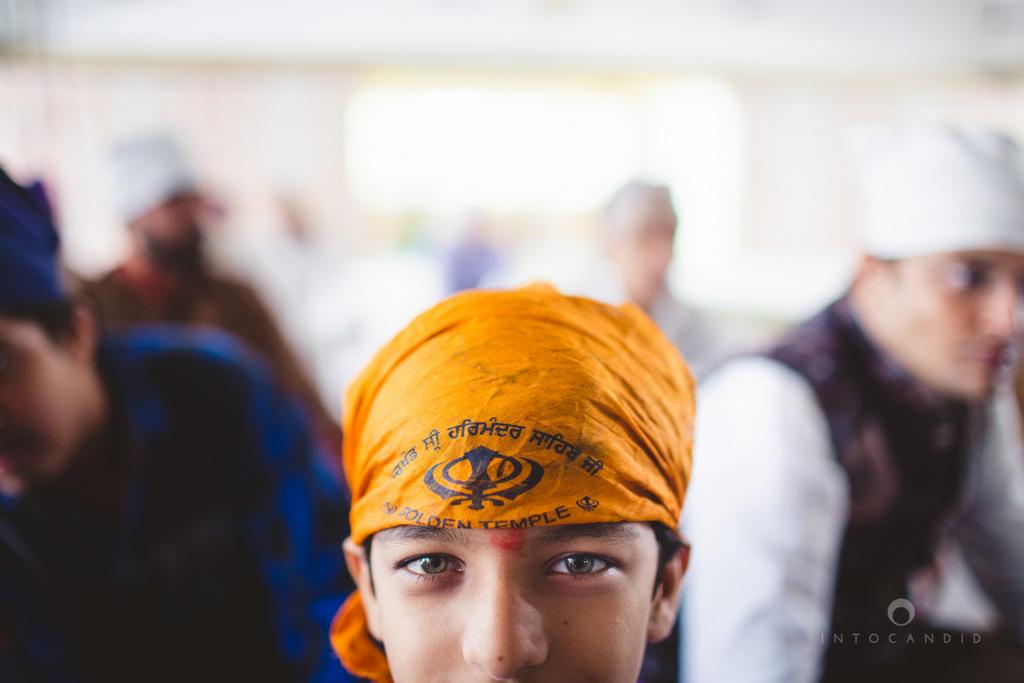 gurudwara-wedding-mumbai-photography-candid-jv-49.jpg