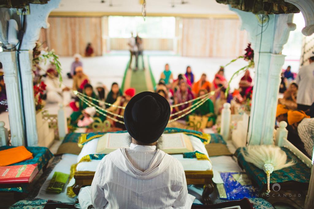 gurudwara-wedding-mumbai-photography-candid-jv-56.jpg