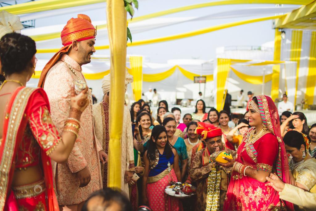 mumbai-gujarati-wedding-photographer-intocandid-photography-tg-046.jpg