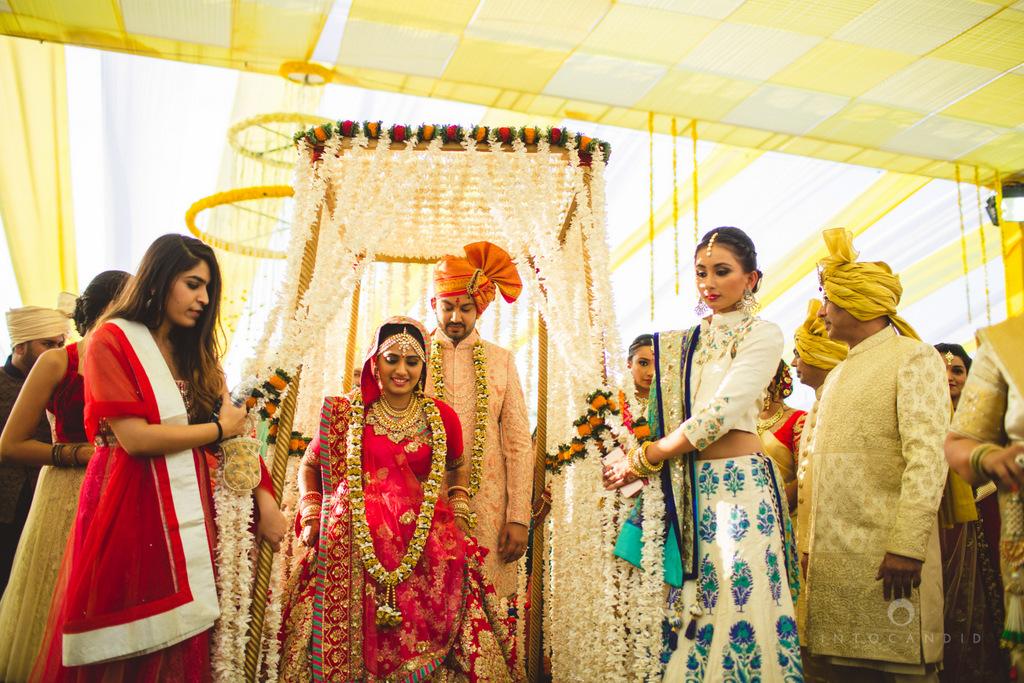 mumbai-gujarati-wedding-photographer-intocandid-photography-tg-051.jpg