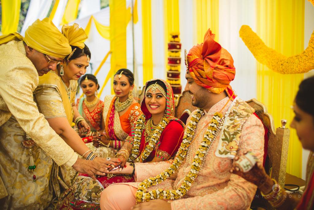 mumbai-gujarati-wedding-photographer-intocandid-photography-tg-062.jpg