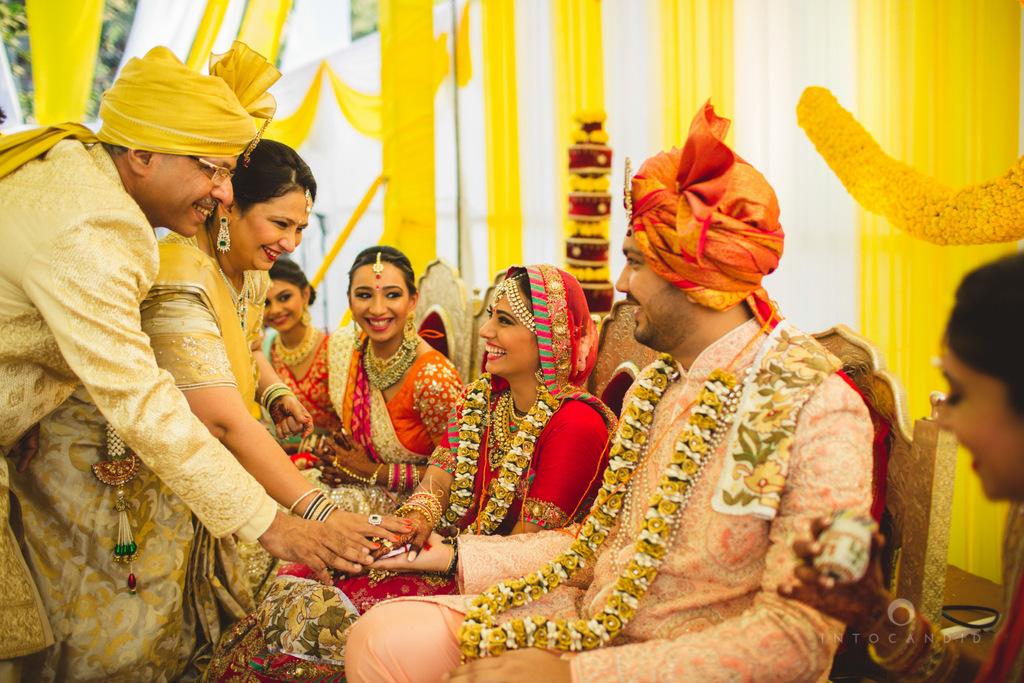 mumbai-gujarati-wedding-photographer-intocandid-photography-tg-063.jpg
