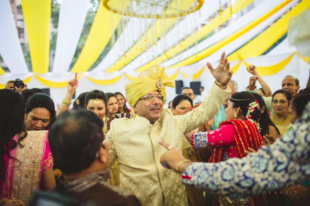 mumbai-gujarati-wedding-photographer-intocandid-photography-tg-078.jpg