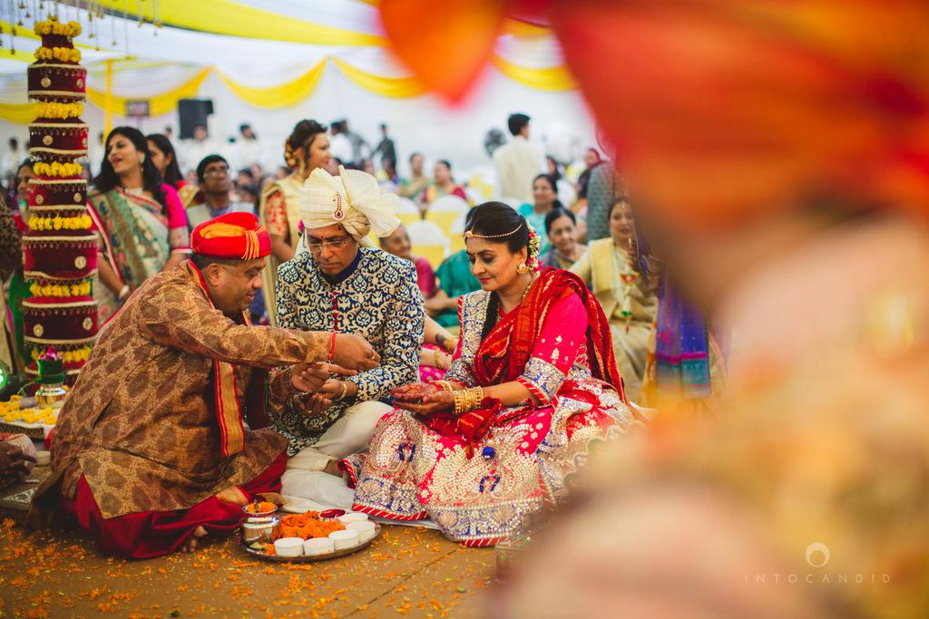 mumbai-gujarati-wedding-photographer-intocandid-photography-tg-084.jpg