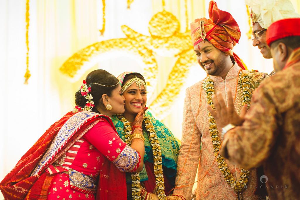 mumbai-gujarati-wedding-photographer-intocandid-photography-tg-086.jpg