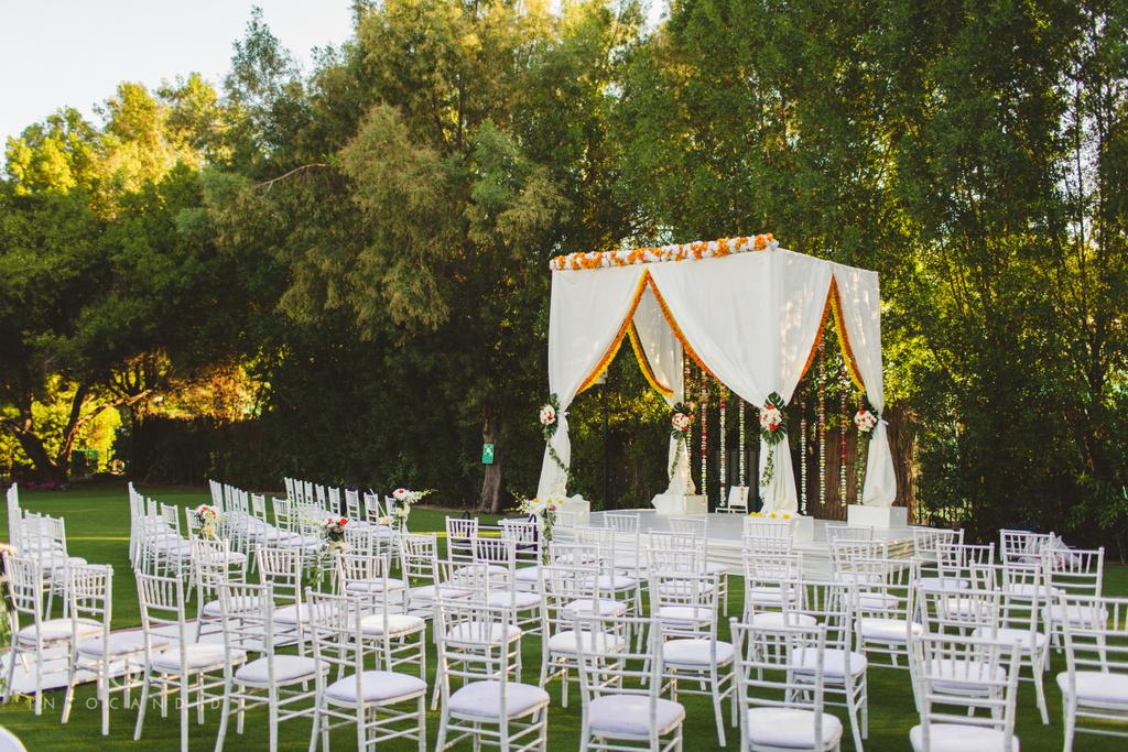 dubai-01-wedding-photographers-jumeirah-creekside-hotel-intocandid-photography0051.jpg