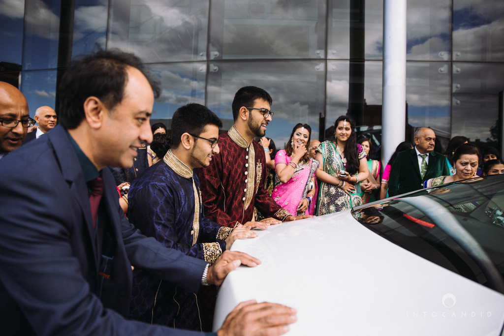 birmingham-wedding-photographer-uk-destination-wedding-photography-intocandid-ketan-manasvi-wedding-photographer-122.jpg