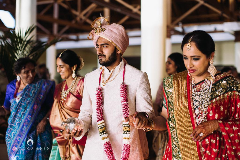 leela-kovalam-wedding-destination-indian-wedding-photography-intocandid-ra-40.jpg