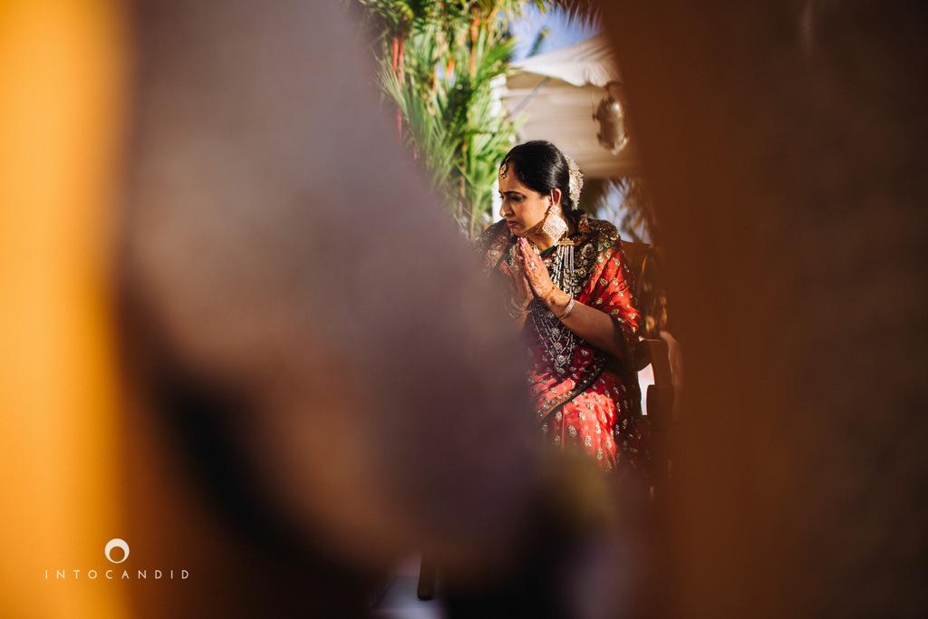 leela-kovalam-wedding-destination-indian-wedding-photography-intocandid-ra-45.jpg