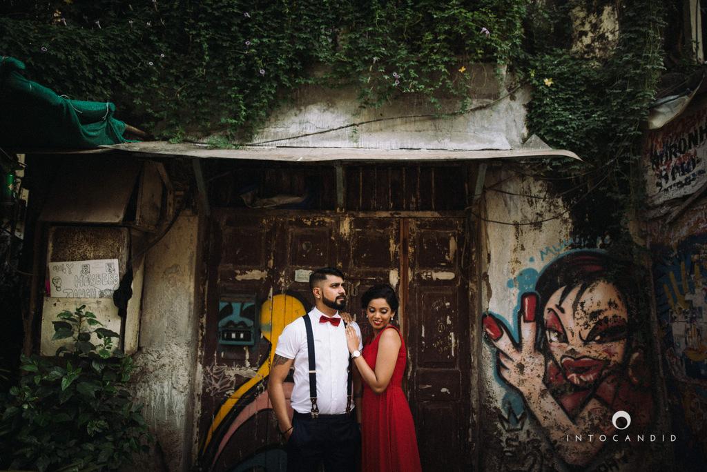 mumbai-street-prewedding-session-intocandid-wedding-photographer-ankitavikrant-10.jpg