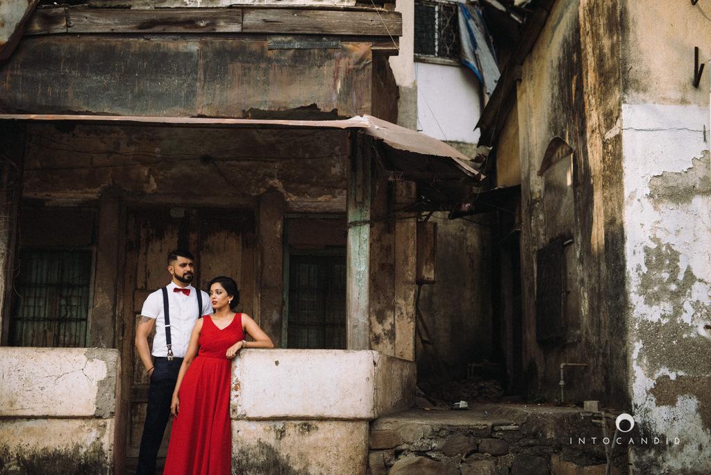 mumbai-street-prewedding-session-intocandid-wedding-photographer-ankitavikrant-14.jpg