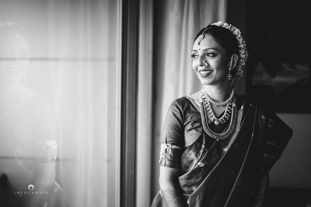mumbai-wedding-photographers-intocandid-maharashtrian-wedding-photography-sa-09.jpg