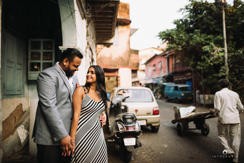 candid-wedding-photographer-mumbai-candid-wedding-photography-couple-shoot-prewedding-18.jpg