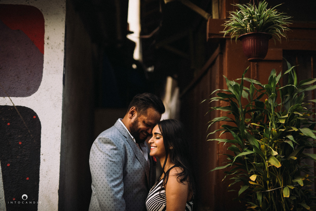 candid-wedding-photographer-mumbai-candid-wedding-photography-couple-shoot-prewedding-20.jpg