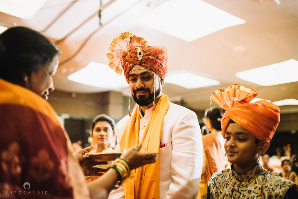 mumbai_marathi_wedding_photographer_intocandid_photography_ketan_manasvi_073.jpg
