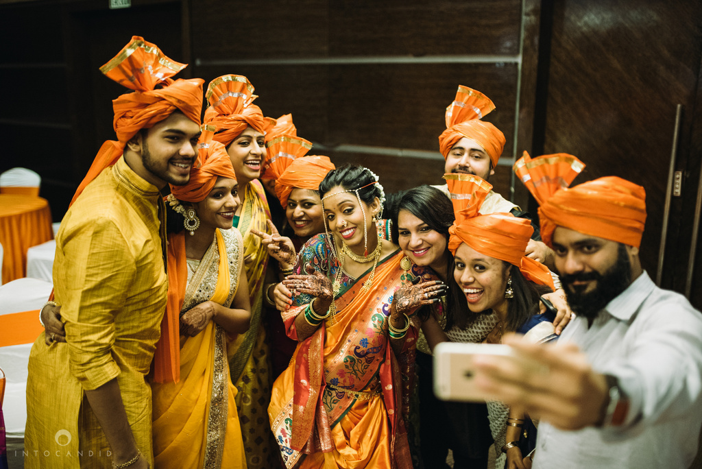 mumbai_marathi_wedding_photographer_intocandid_photography_ketan_manasvi_077.jpg