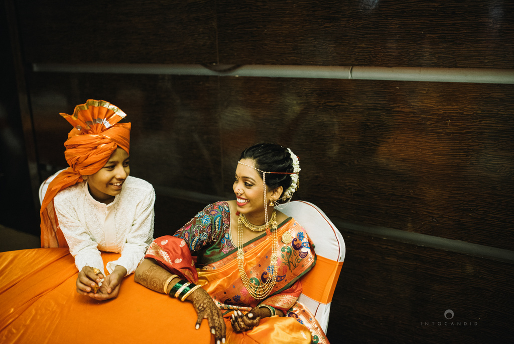 mumbai_marathi_wedding_photographer_intocandid_photography_ketan_manasvi_080.jpg