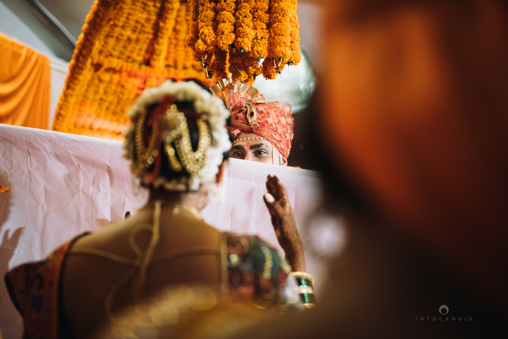 mumbai_marathi_wedding_photographer_intocandid_photography_ketan_manasvi_086.jpg