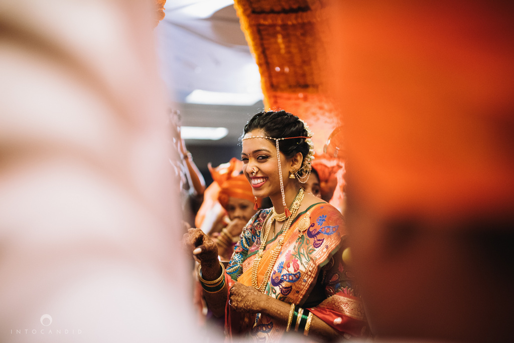 mumbai_marathi_wedding_photographer_intocandid_photography_ketan_manasvi_087.jpg