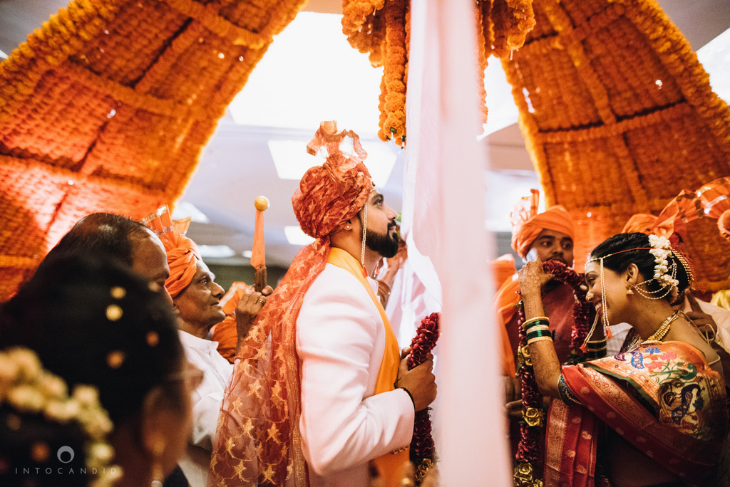 mumbai_marathi_wedding_photographer_intocandid_photography_ketan_manasvi_089.jpg