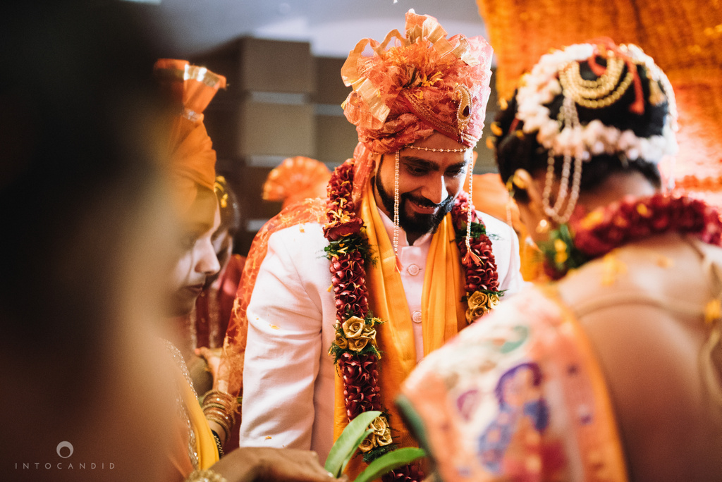 mumbai_marathi_wedding_photographer_intocandid_photography_ketan_manasvi_092.jpg