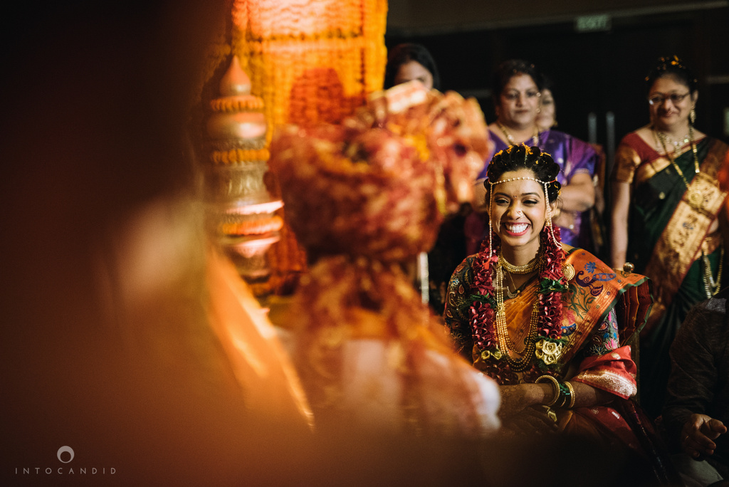 mumbai_marathi_wedding_photographer_intocandid_photography_ketan_manasvi_105.jpg