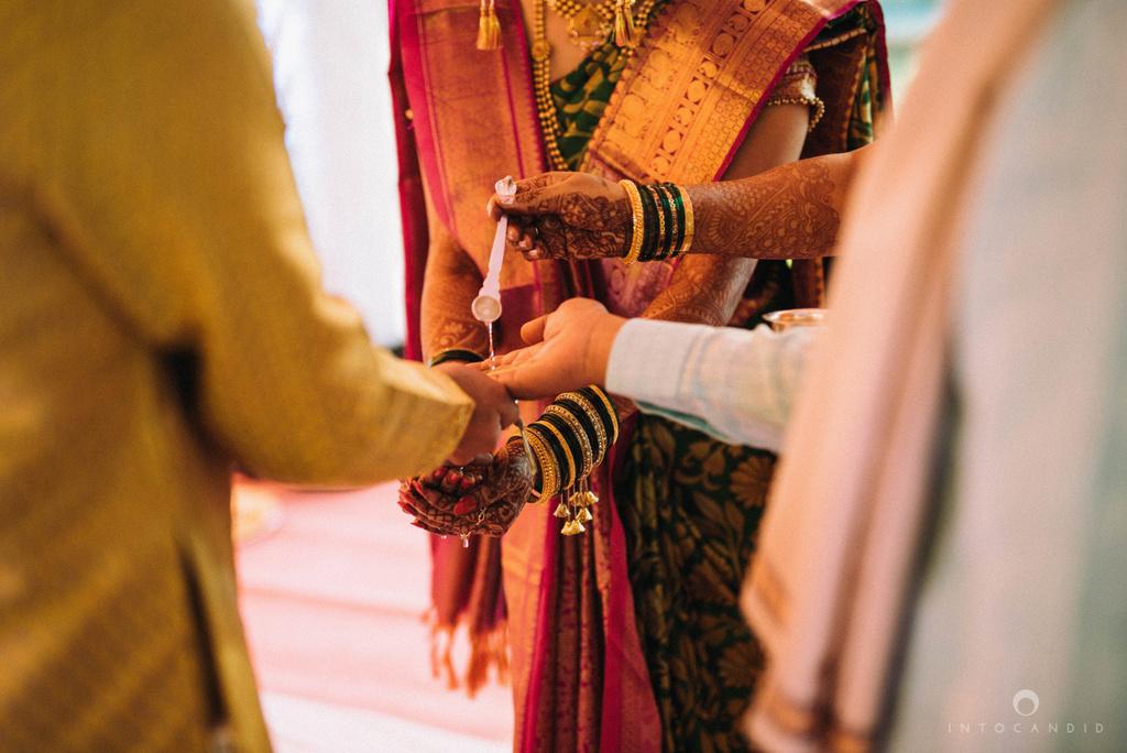 pune_wedding_photographer_intocandid_wedding_photography_ketan_photographer_manasvi_photographer_17.jpg