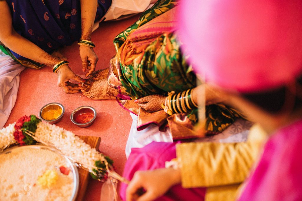 pune_wedding_photographer_intocandid_wedding_photography_ketan_photographer_manasvi_photographer_22.jpg
