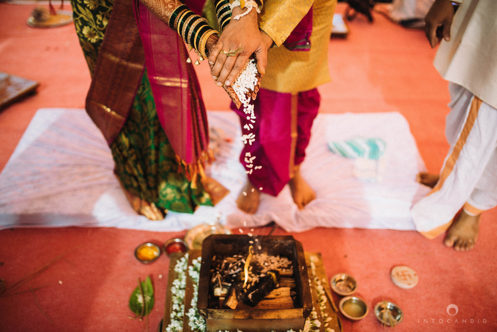 pune_wedding_photographer_intocandid_wedding_photography_ketan_photographer_manasvi_photographer_28.jpg