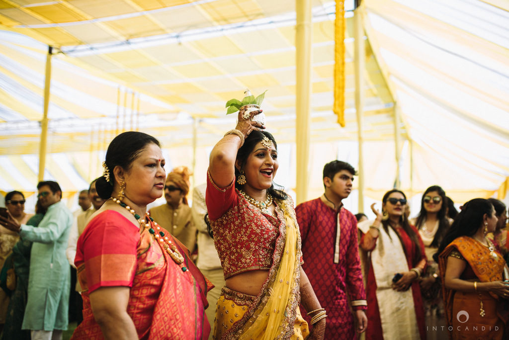 mumbai_candid_wedding_photographer_ketanmanasvi_intocandid_photography_40.jpg