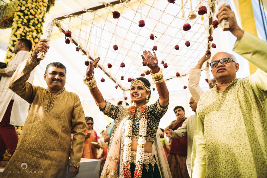 mumbai_candid_wedding_photographer_ketanmanasvi_intocandid_photography_50.jpg